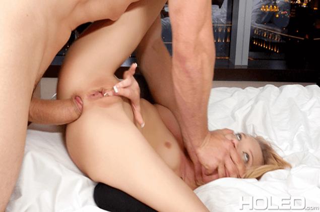 Hardcore Analsex Foto mit junger Blondine
